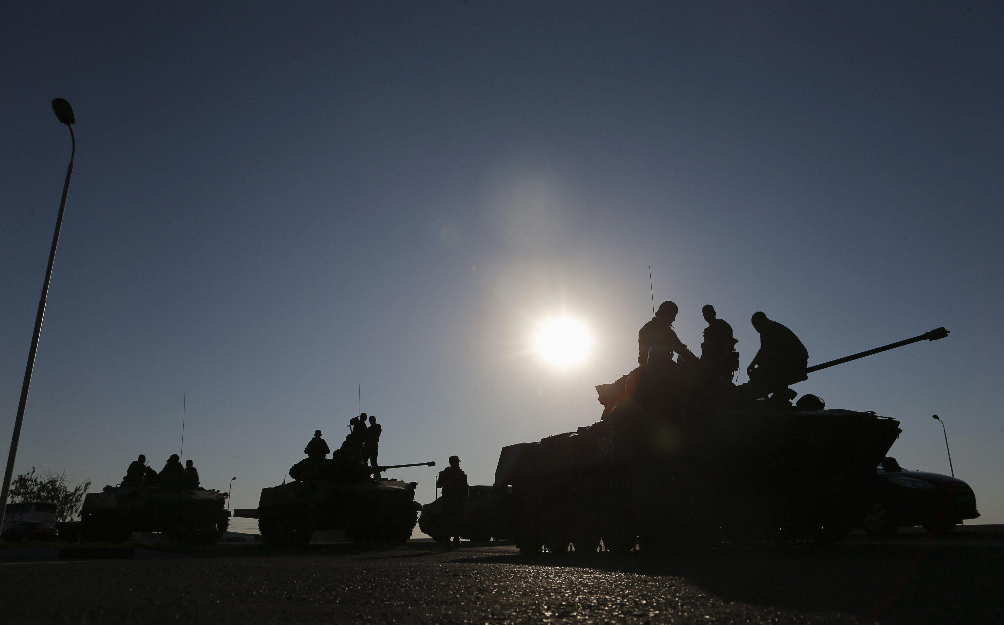 Часть российских солдат возвращают в казармы