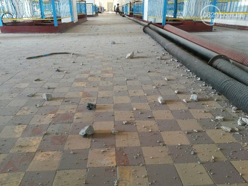 В Мариуполе российские военные обстреляли станцию по фильтровке воды, опубликованы фото
