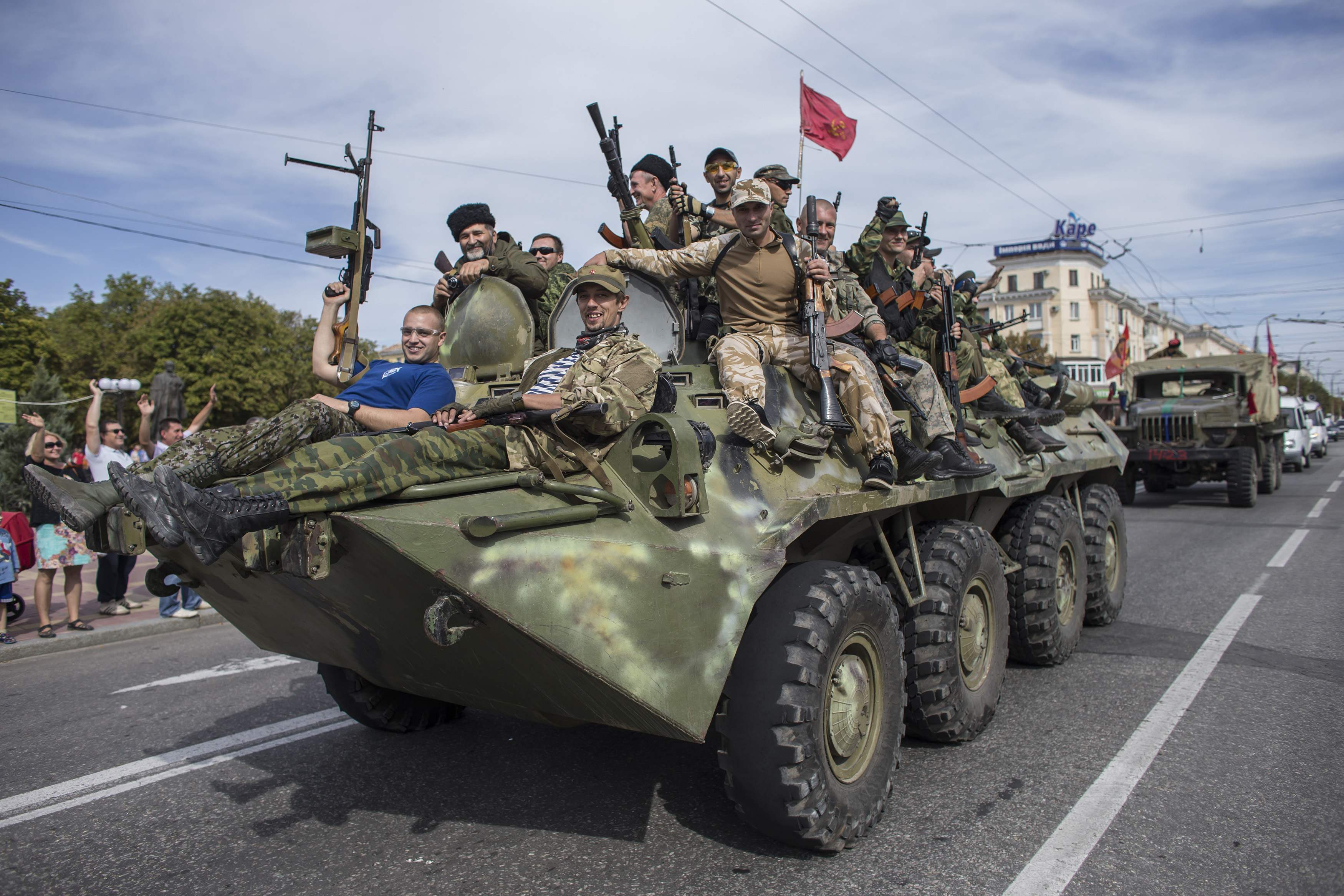 В Луганске боевики боролись за потоки, которые идут из РФ, сказал  Зорян Шкиряк