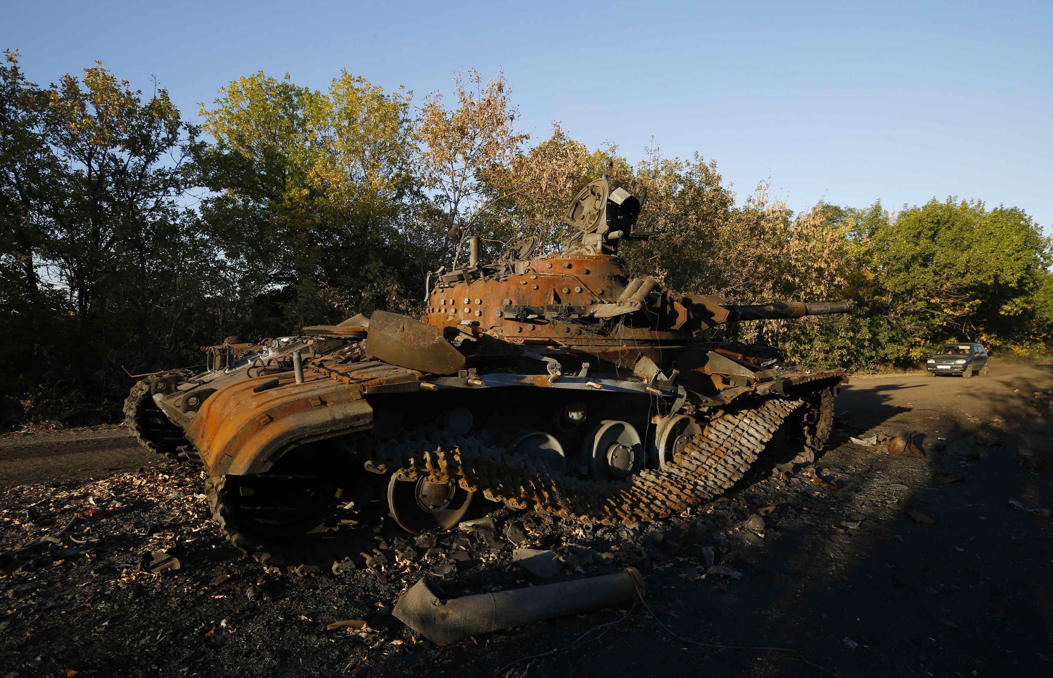 Уничтоженная бронетехника боевиков, иллюстрация