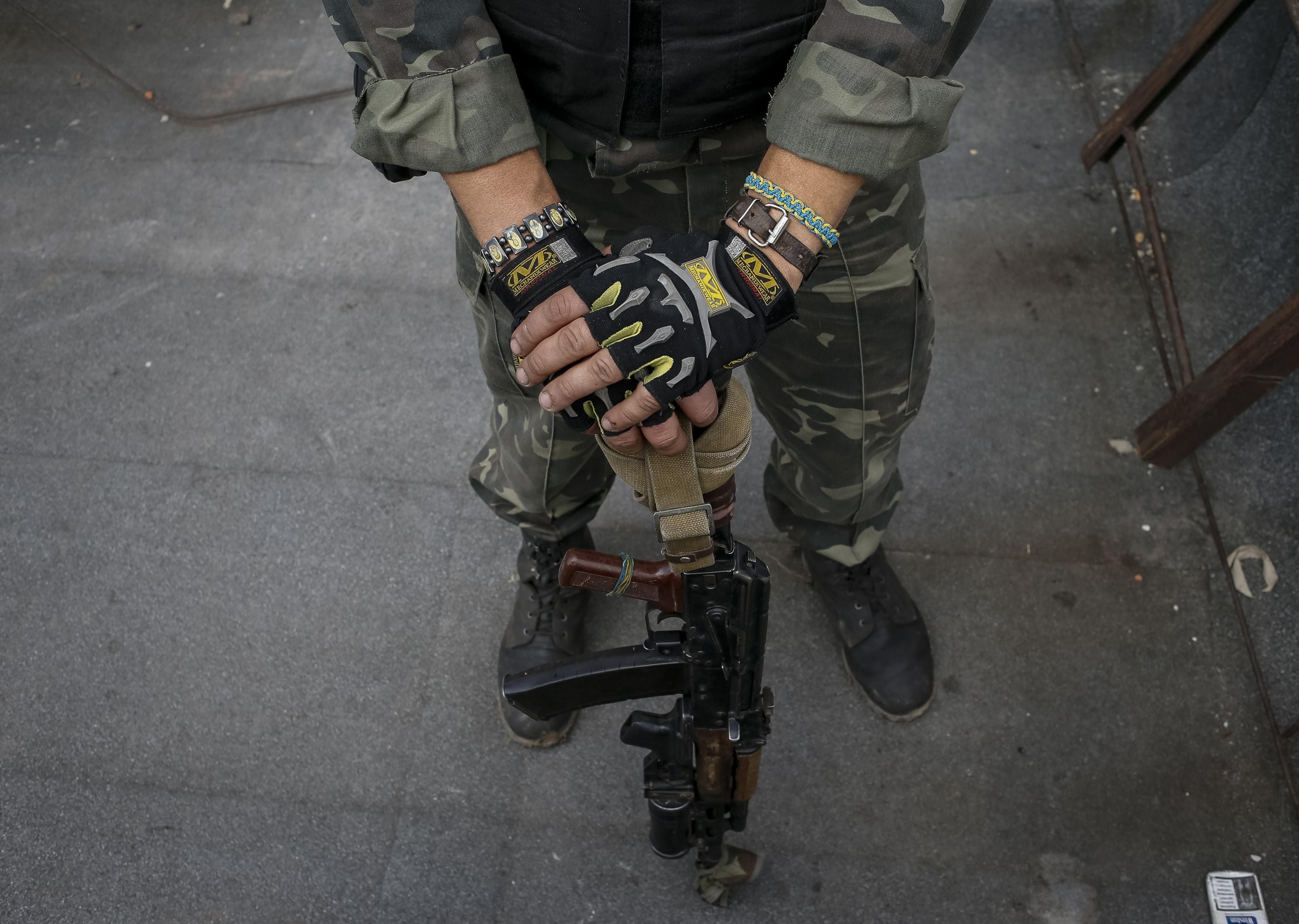 В столкновениях погибли трое силовиков.