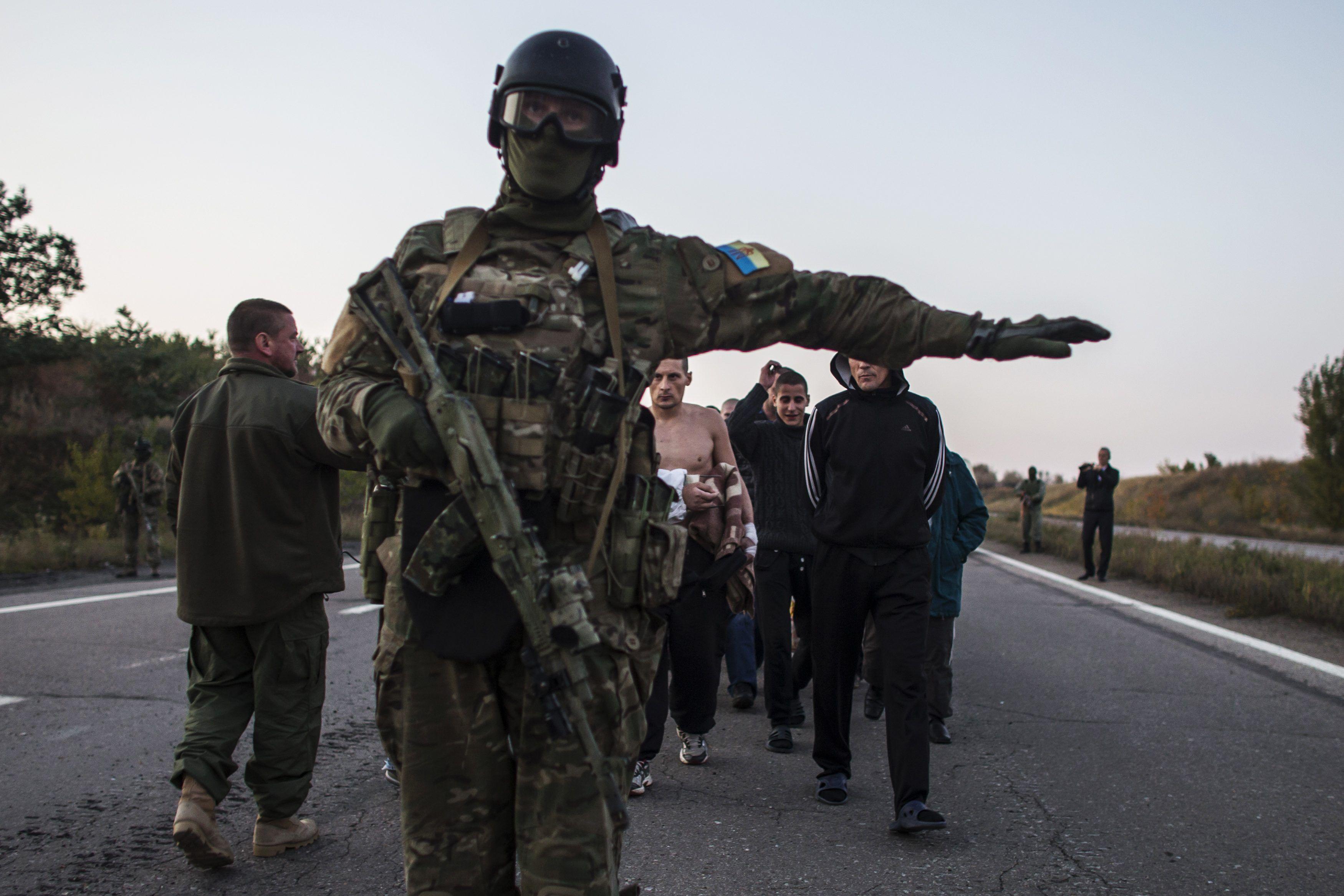 Пленные в Донецке