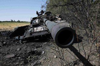 Підбитий танк під Іловайськом
