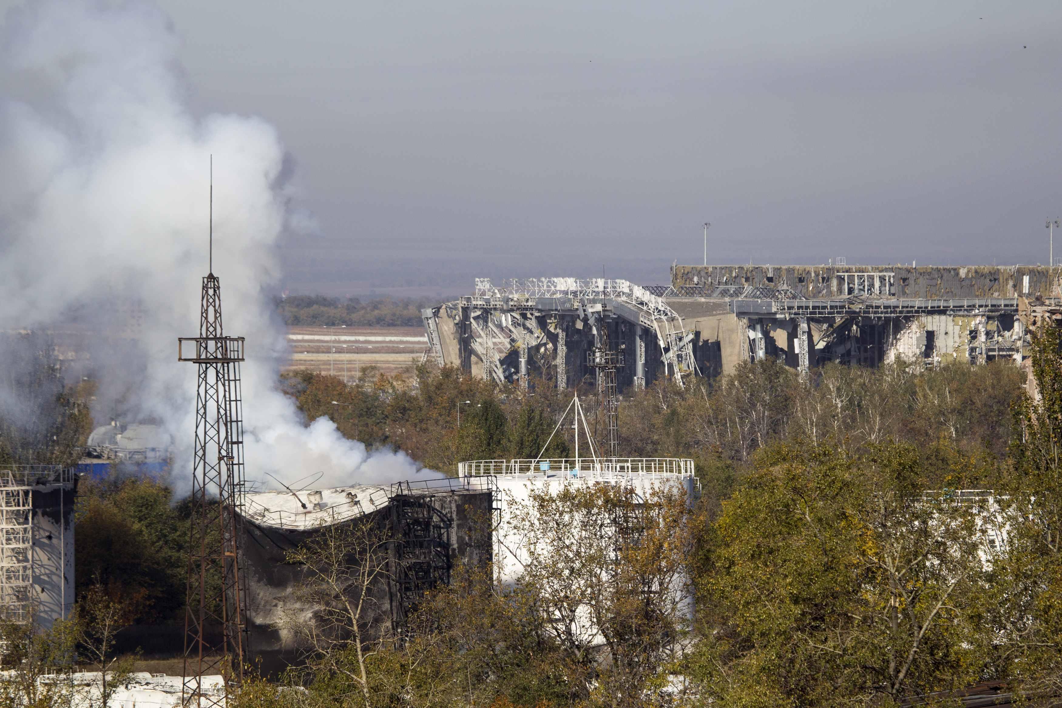Донецкий аэропорт превратили в развалины