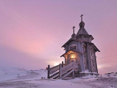 Часовня в Арктике, иллюстрация