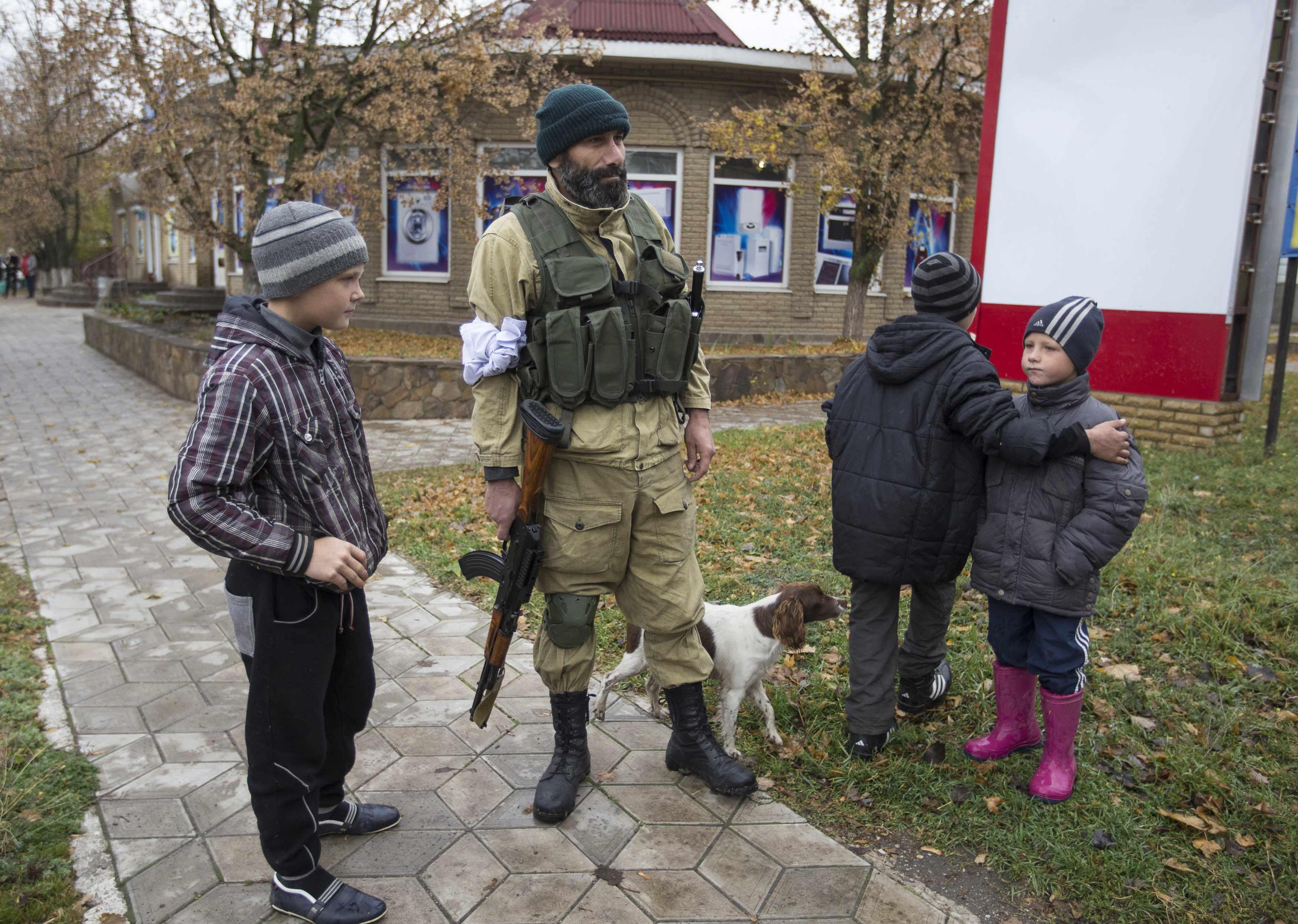 Боевики посылают на позиции сил АТО школьников.