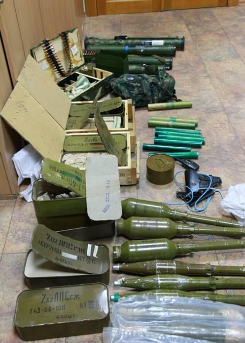 Изъятое оружие боевиков, иллюстрация