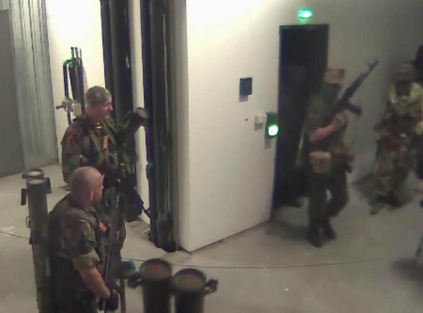 Террористы в донецком аэропорту