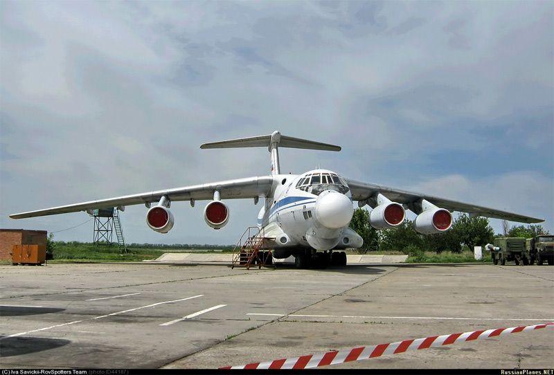 Самолет на аэродроме под Таганрогом, иллюстрация