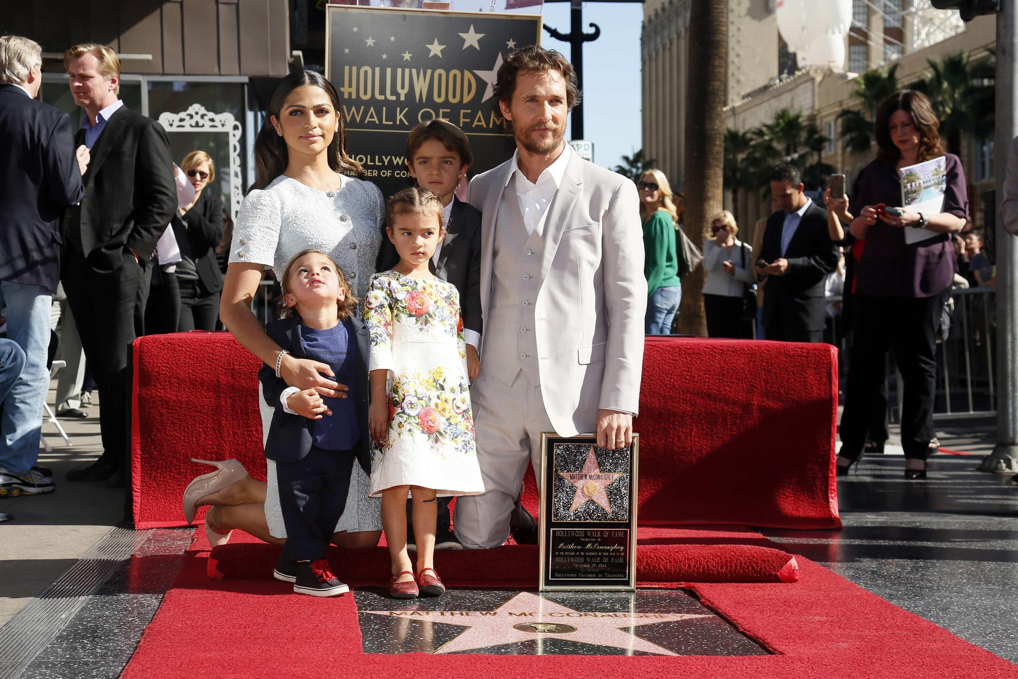 Мэтью Макконахи с семьей