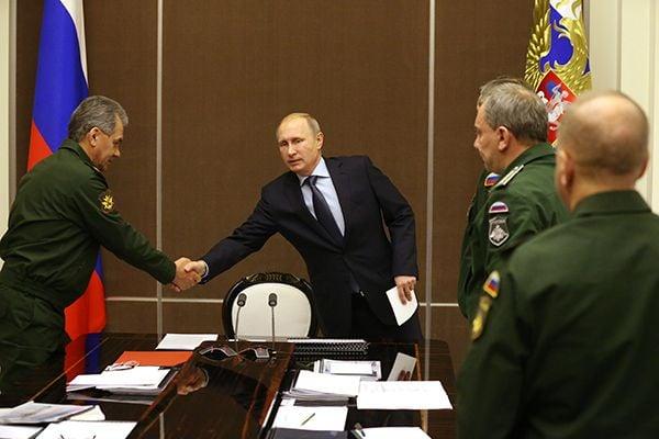 Путин в Сочи на совещании по развитию ВС РФ, иллюстрация