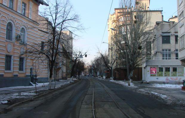 Улица Фрунзе - одна из транспортных артерий Подола