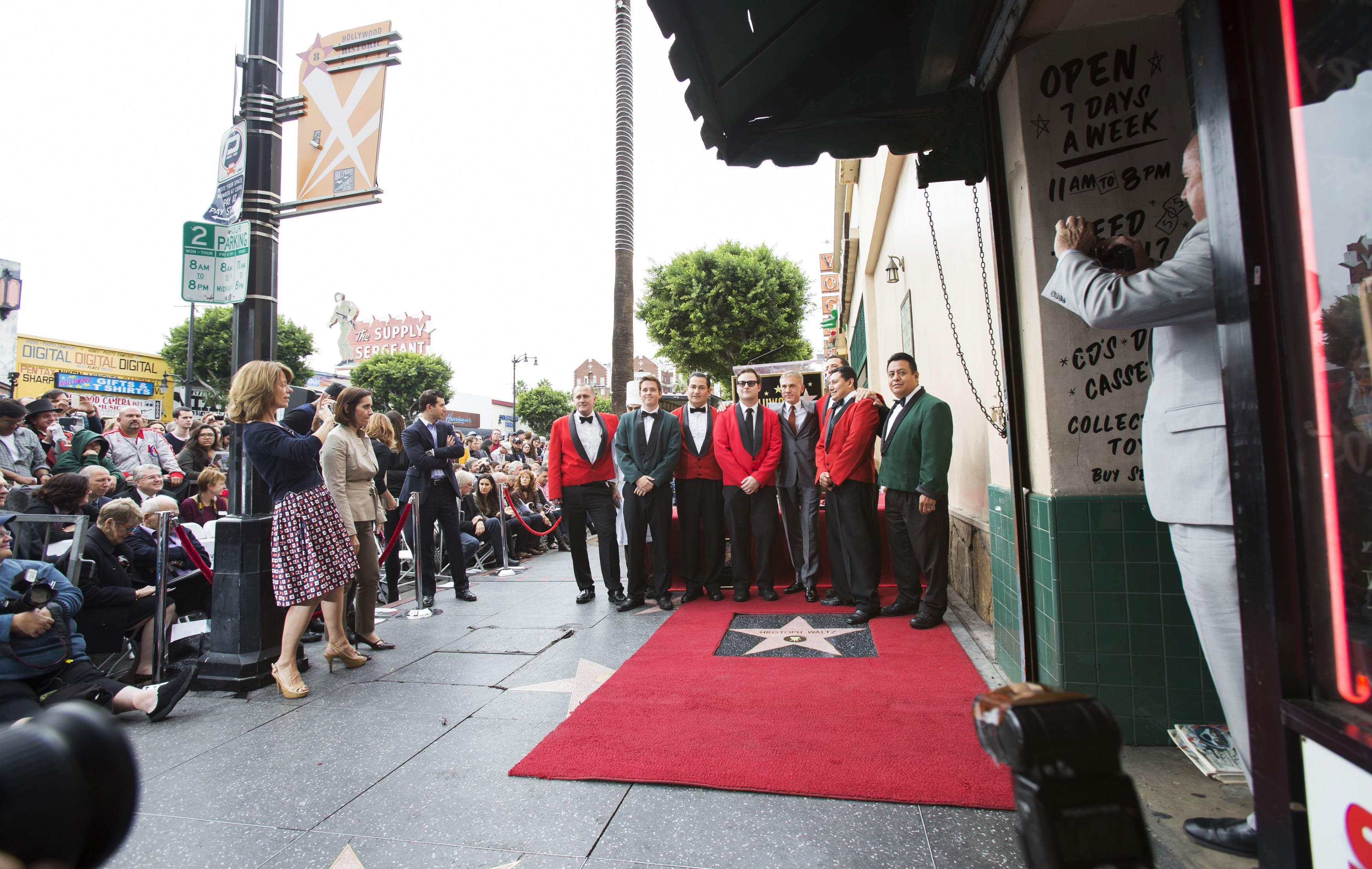 """Тарантино поддержал Кристофа Вальца на открытии его звезды на """"Аллее славы"""""""