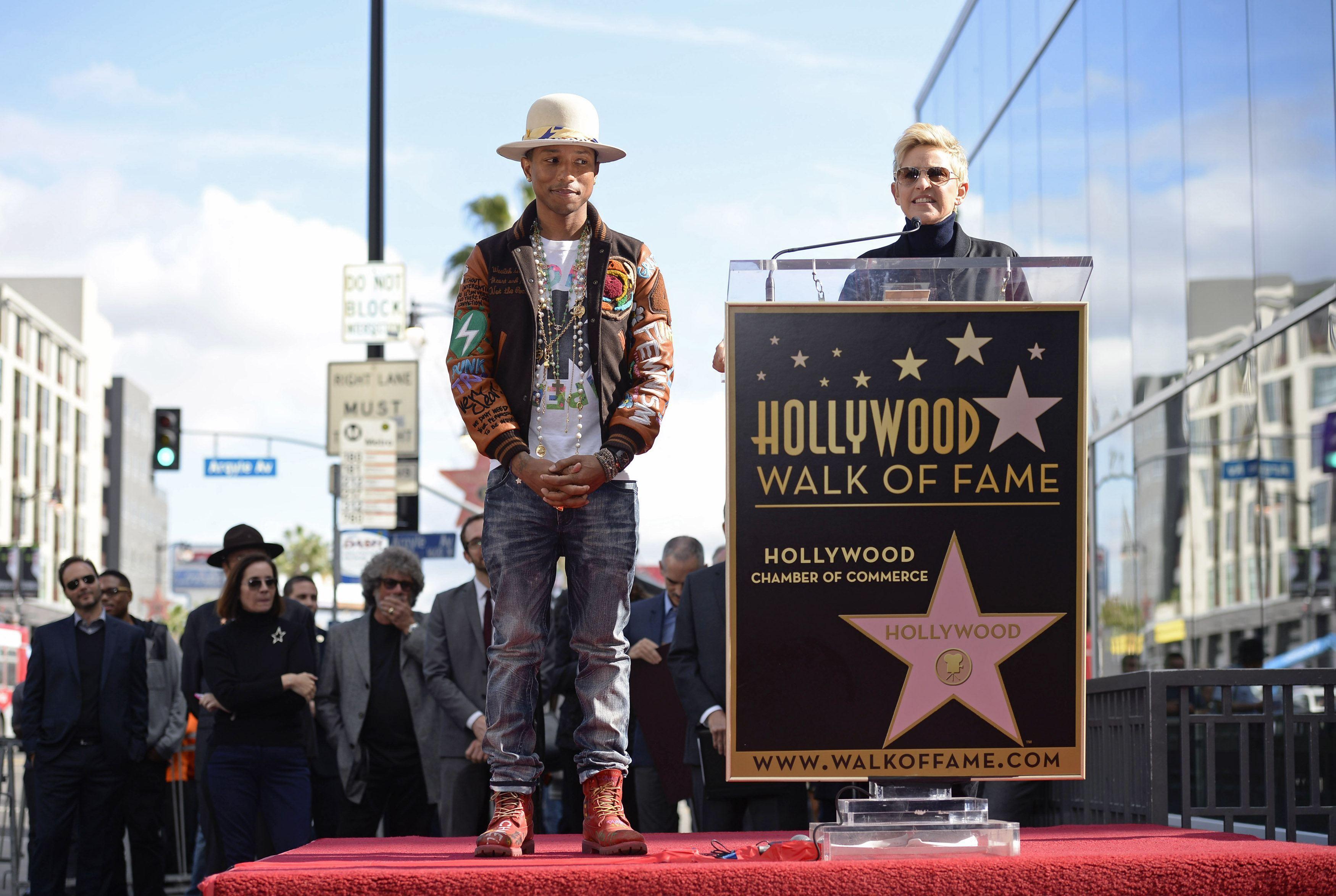 Фаррел Уильямс открыл собственную звезду на Аллее славы: опубликованы фото