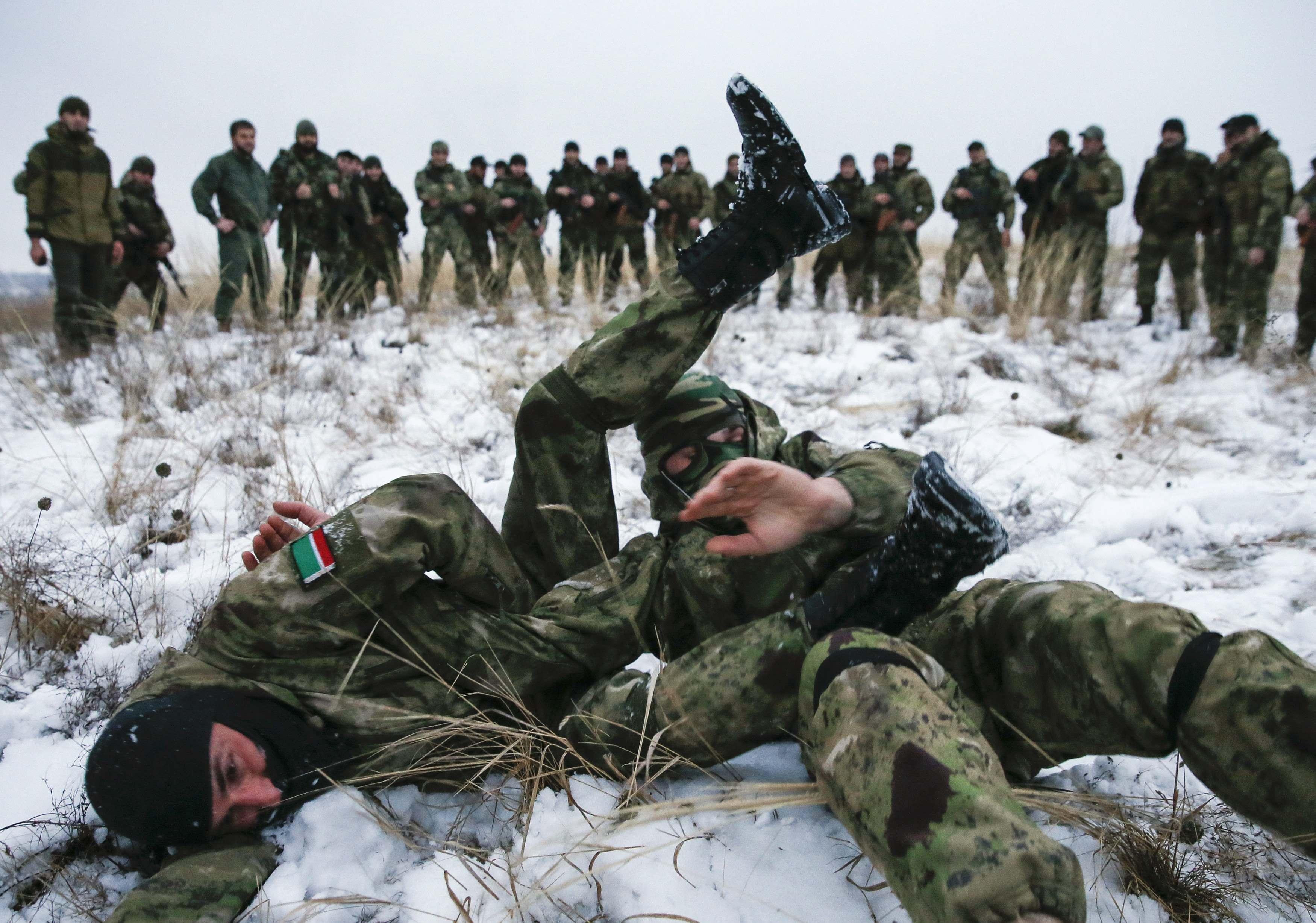 Кадыровцы на показательной тренировке