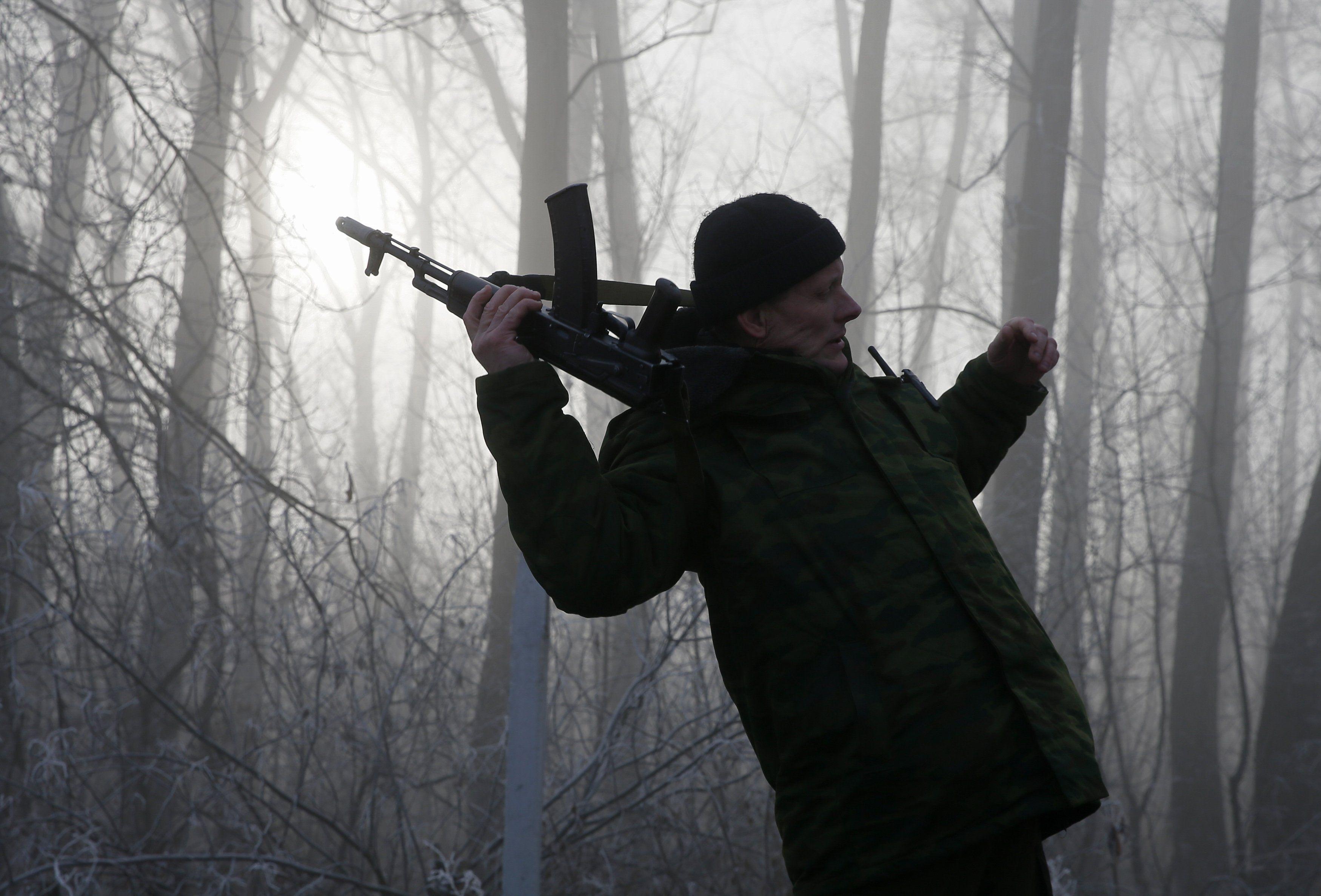 На Донбассе защитник Украины взяли в плен боевика