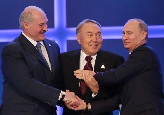 Президенты Александр Лукашенко, Нурсултан Назарбаев и Владимир Путин