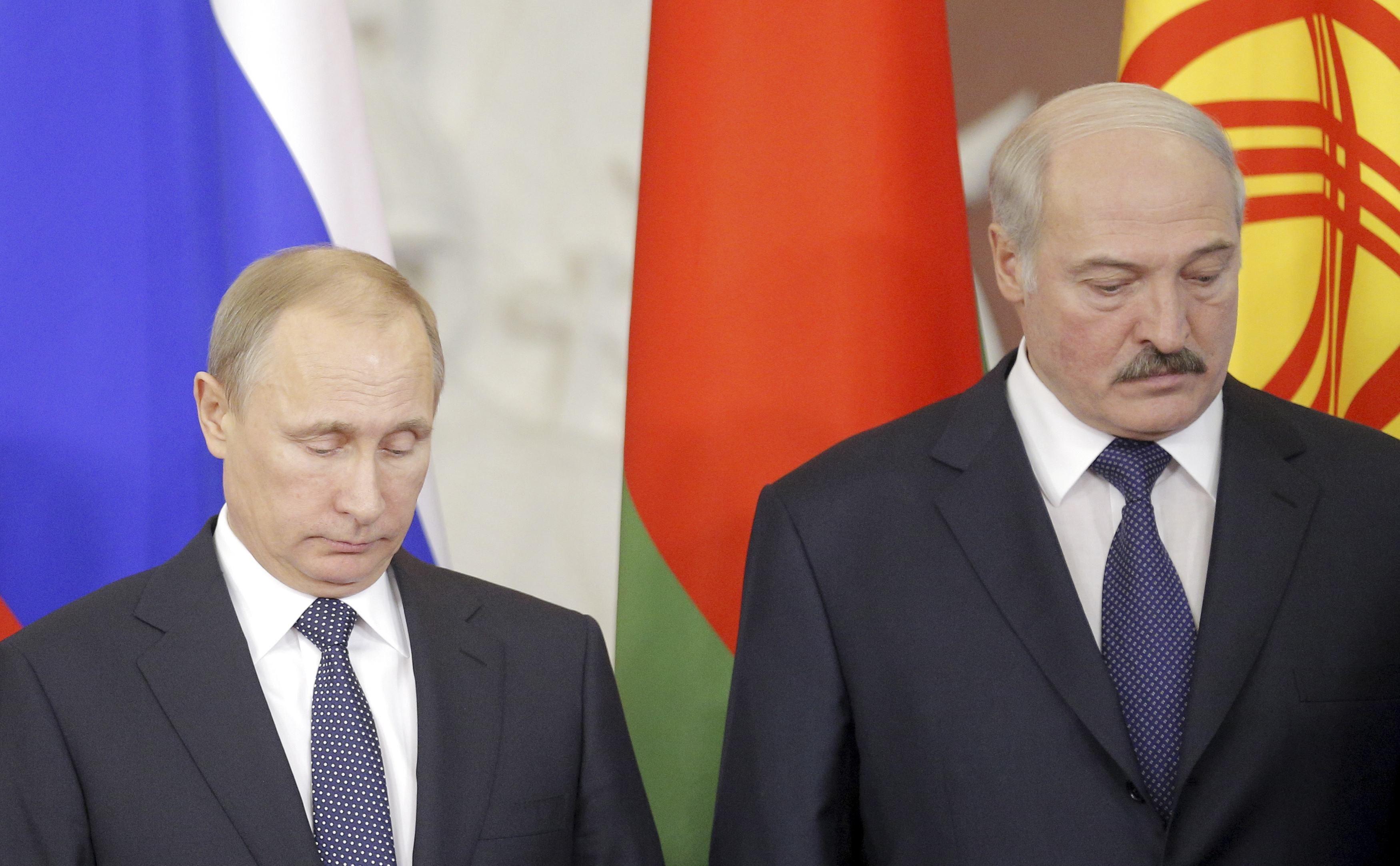 Экс-лидер Беларуси полагает, что цель встреч Александра Лукашенко с Владимиром Путиным — восславить их обоих