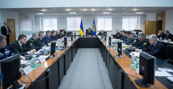 Порошенко принял участие в военно-экономических учениях
