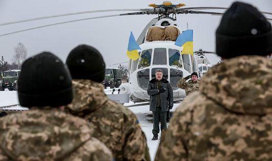 Порошенко перед украинскими бойцами