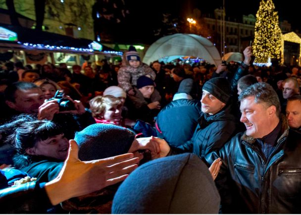 Петр Порошенко, Софийская площадь, главная елка страны, иллюстрация