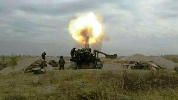 Бьет артиллерия