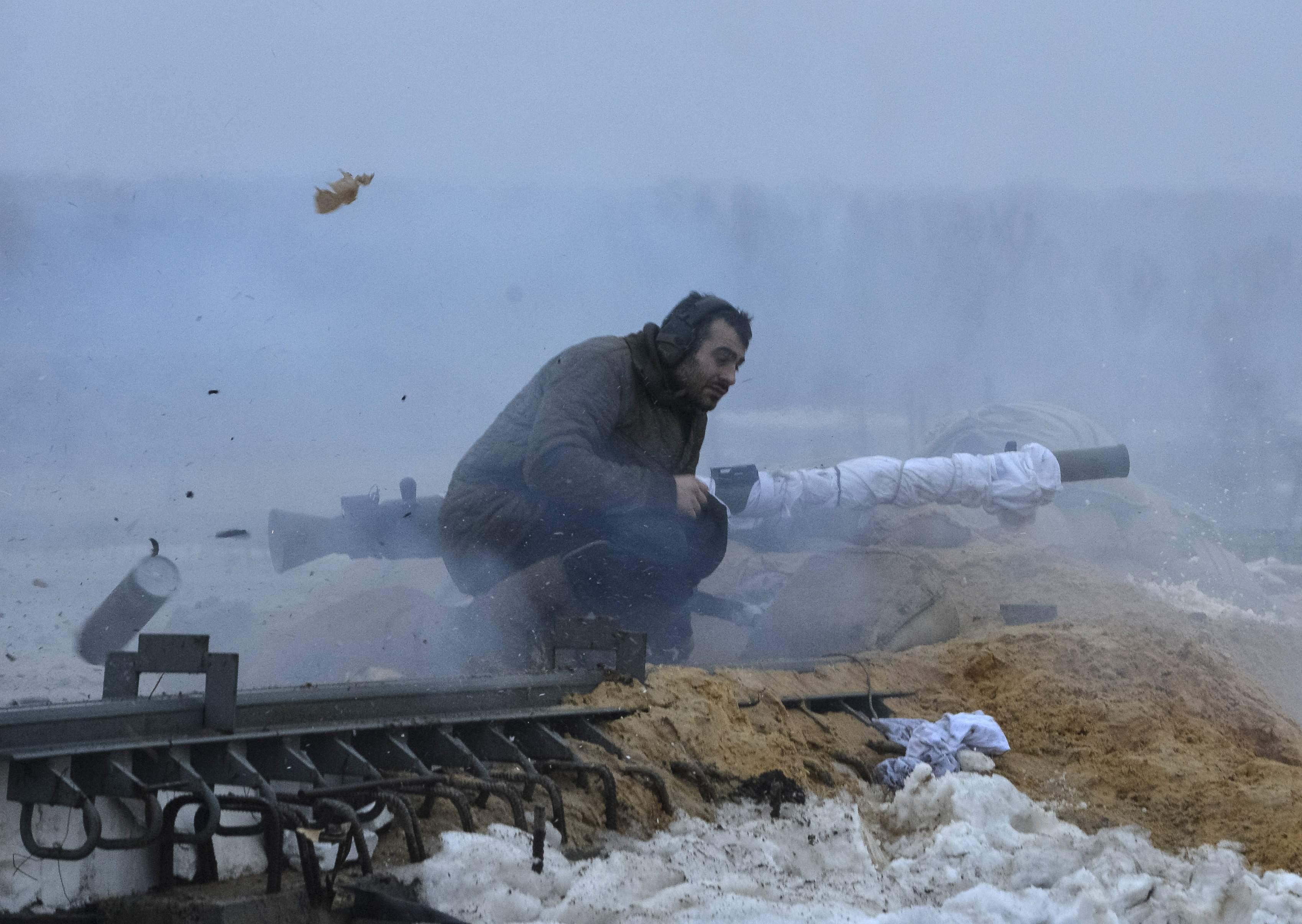 Украинский воин в Песках