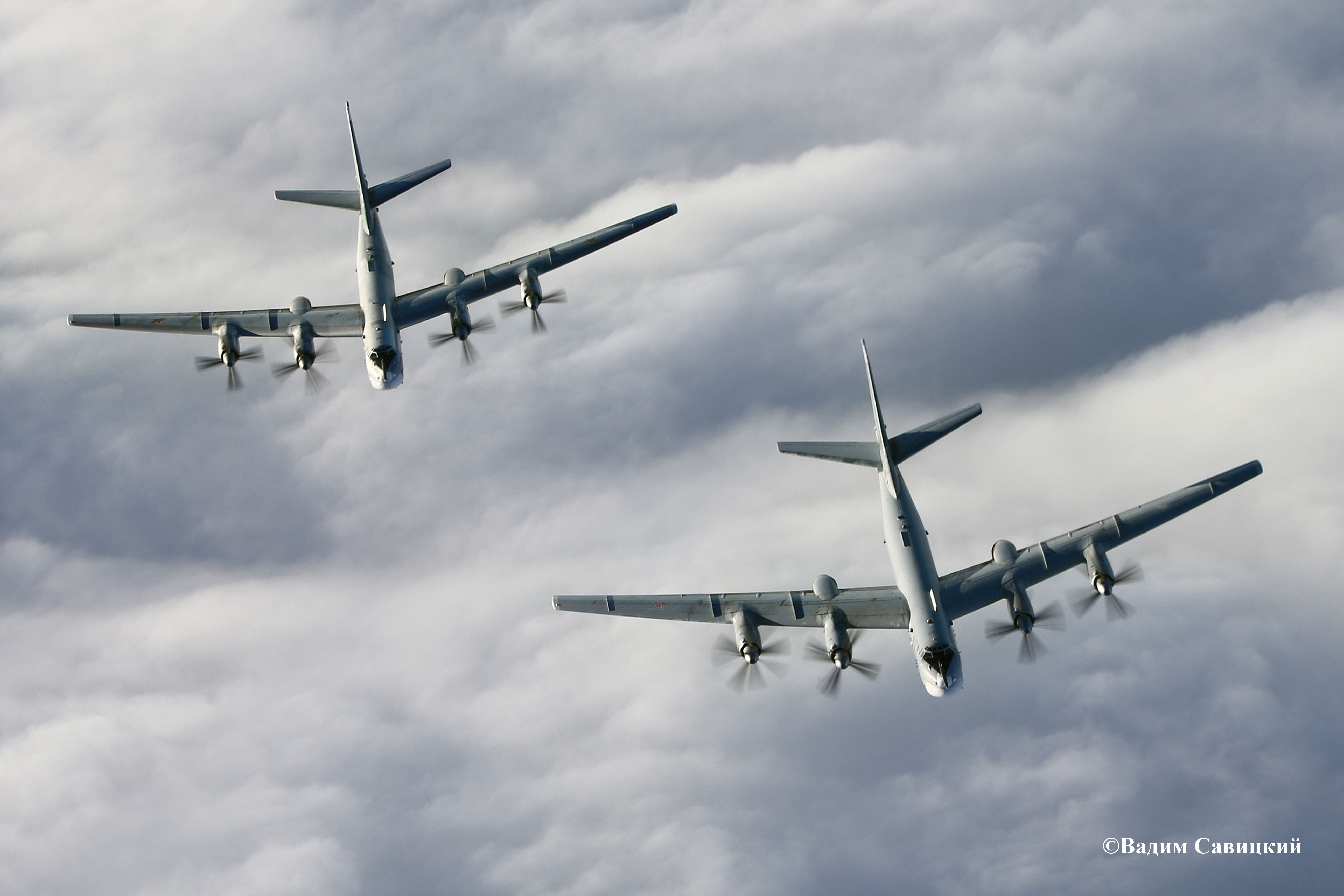 Российские бомбардировщики, иллюстрация