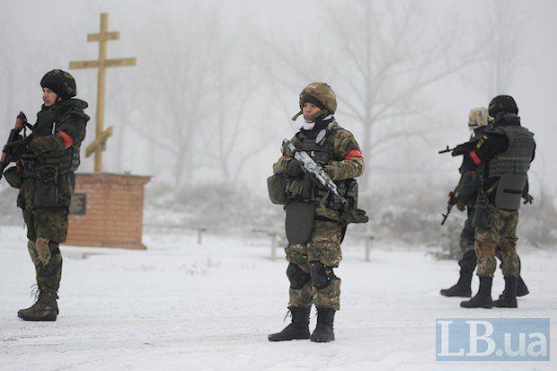 Силовики зачистили от боевиков село Орехово и взорвали ж/д по которой вывозили уголь в ЛНР
