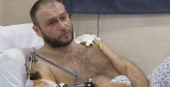 Дмитрий Ярош после ранения в больнице.