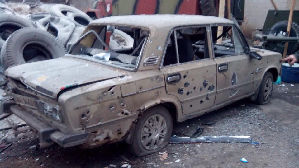 Под Мариуполем боевики обстреляли поселок Сартана: есть погибшие, разрушены 20 домов