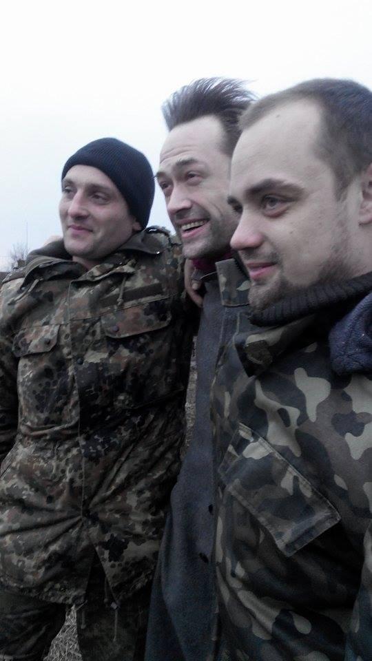"""Российский актер поддержал бойцов """"Азова"""" на передовой: опубликованы фото"""