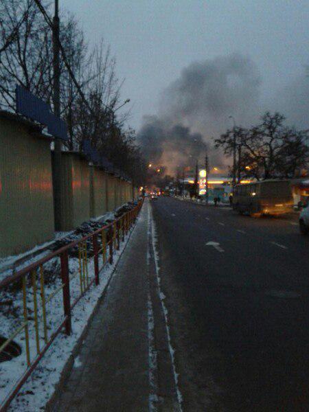 """В Донецке обстреляли автостанцию """"Центр"""", шесть погибших: опубликованы фото и видео с места события"""