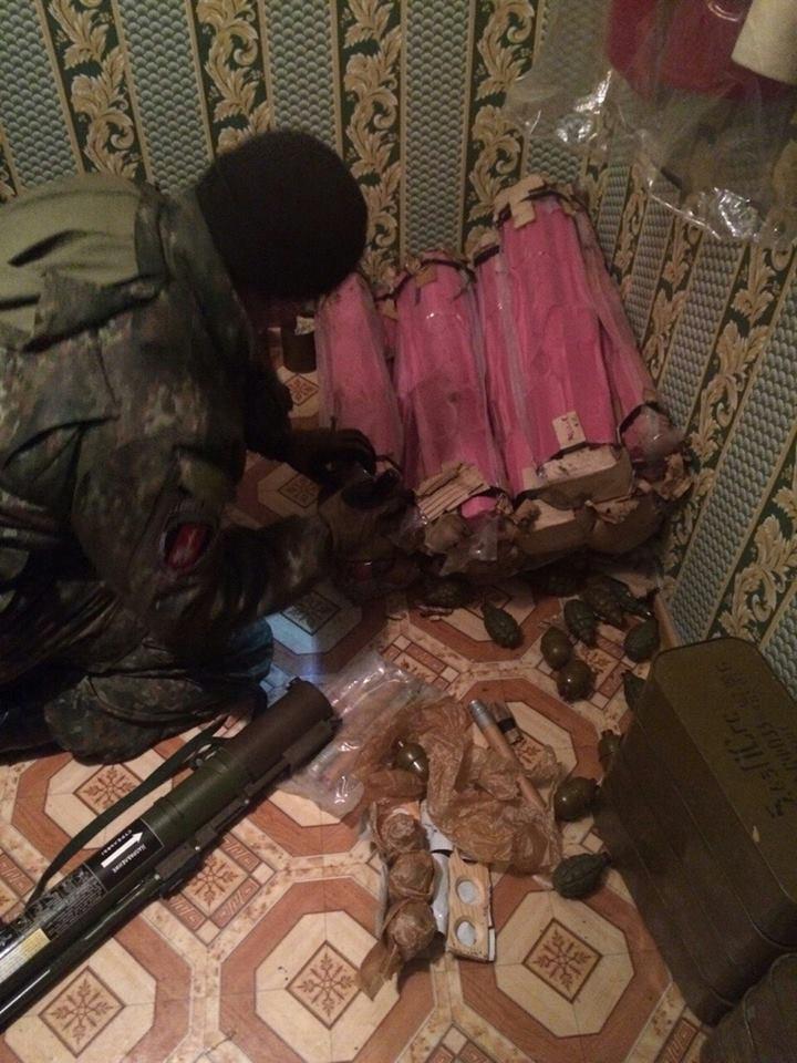 """СБУ в Одессе изъяла беспрецедентный арсенал: """"хозяин"""" оружия готовил теракты и диверсии"""