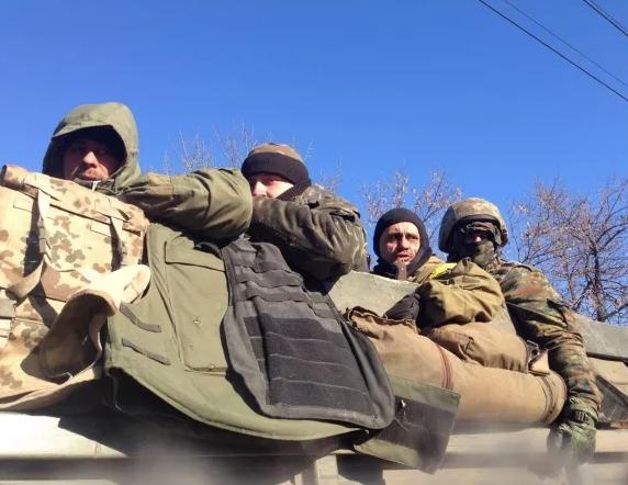 Уход украинских силовиков из Дебальцево