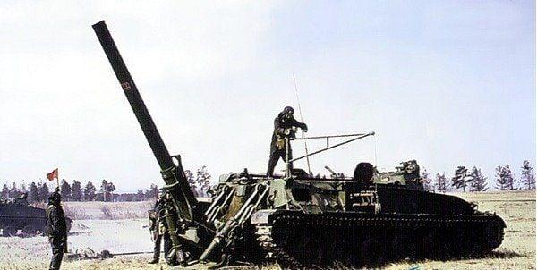 240 мм самоходный миномет