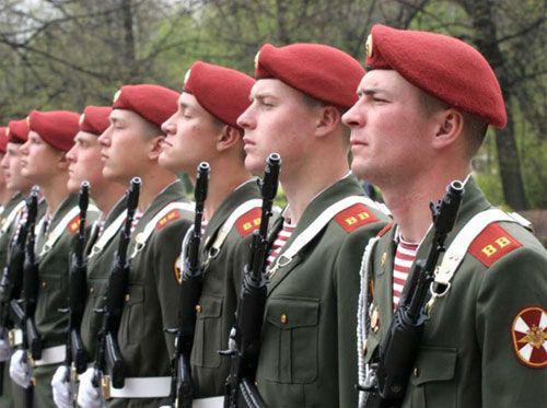 Чекистов дивизии им.  Дзержинского на всех не хватает