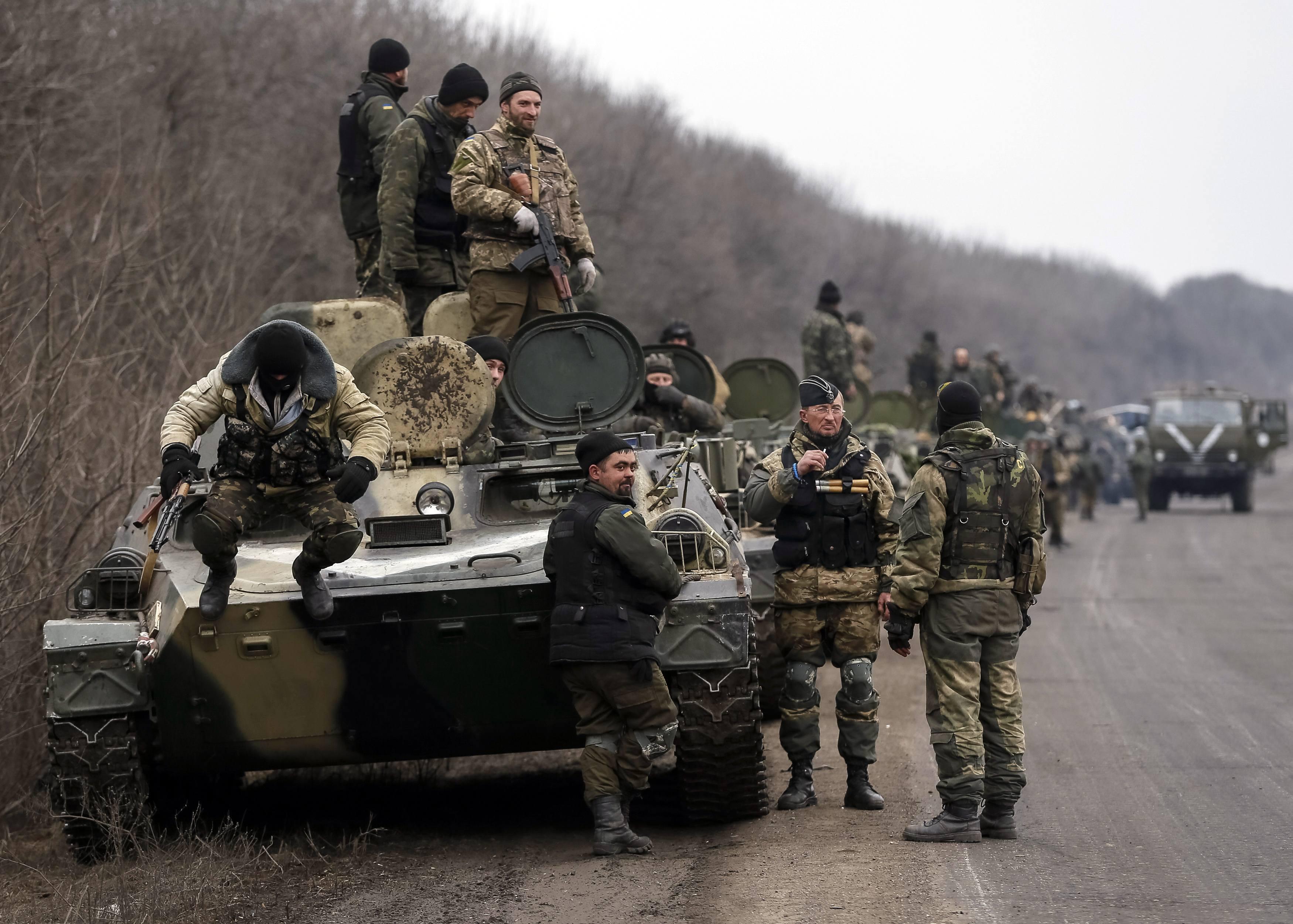 Украинская армия готова к отводу тяжелого вооружения, ждет приказа: опубликованы фото