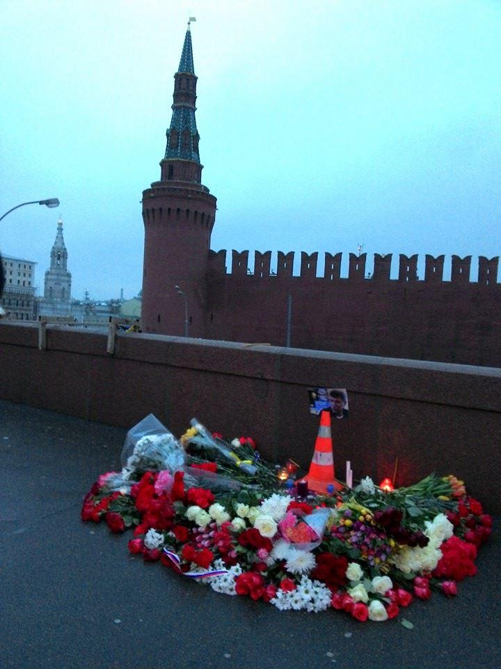 Фото с места гибели Немцова
