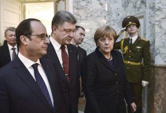 Меркель, Порошенко и Олланд на переговорах в Минске