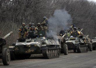 Силовики ждут приказа об отводе тяжелого вооружения, иллюстрация