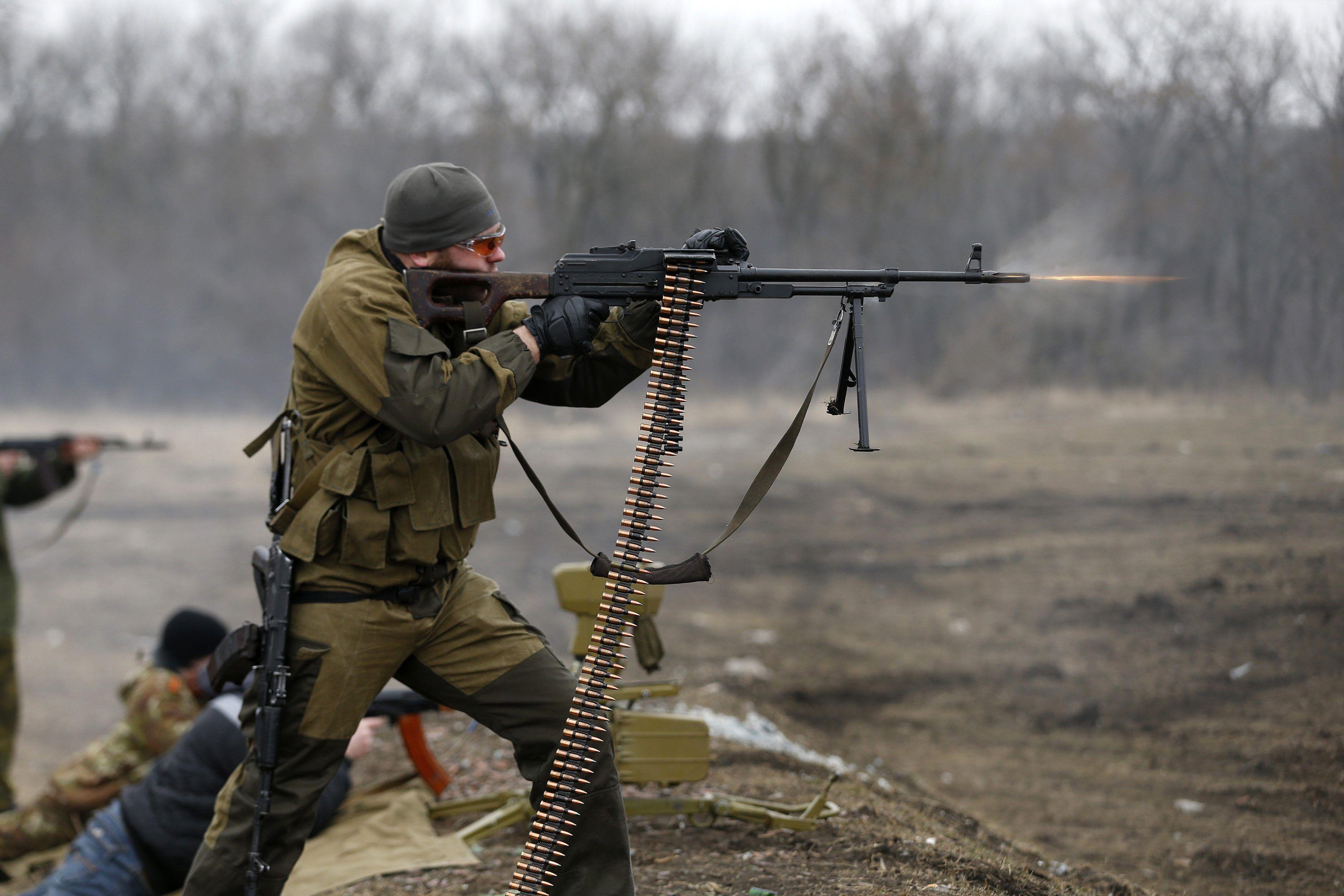 У Дзержинска противник вел обстрелы в основном из стрелкового оружия