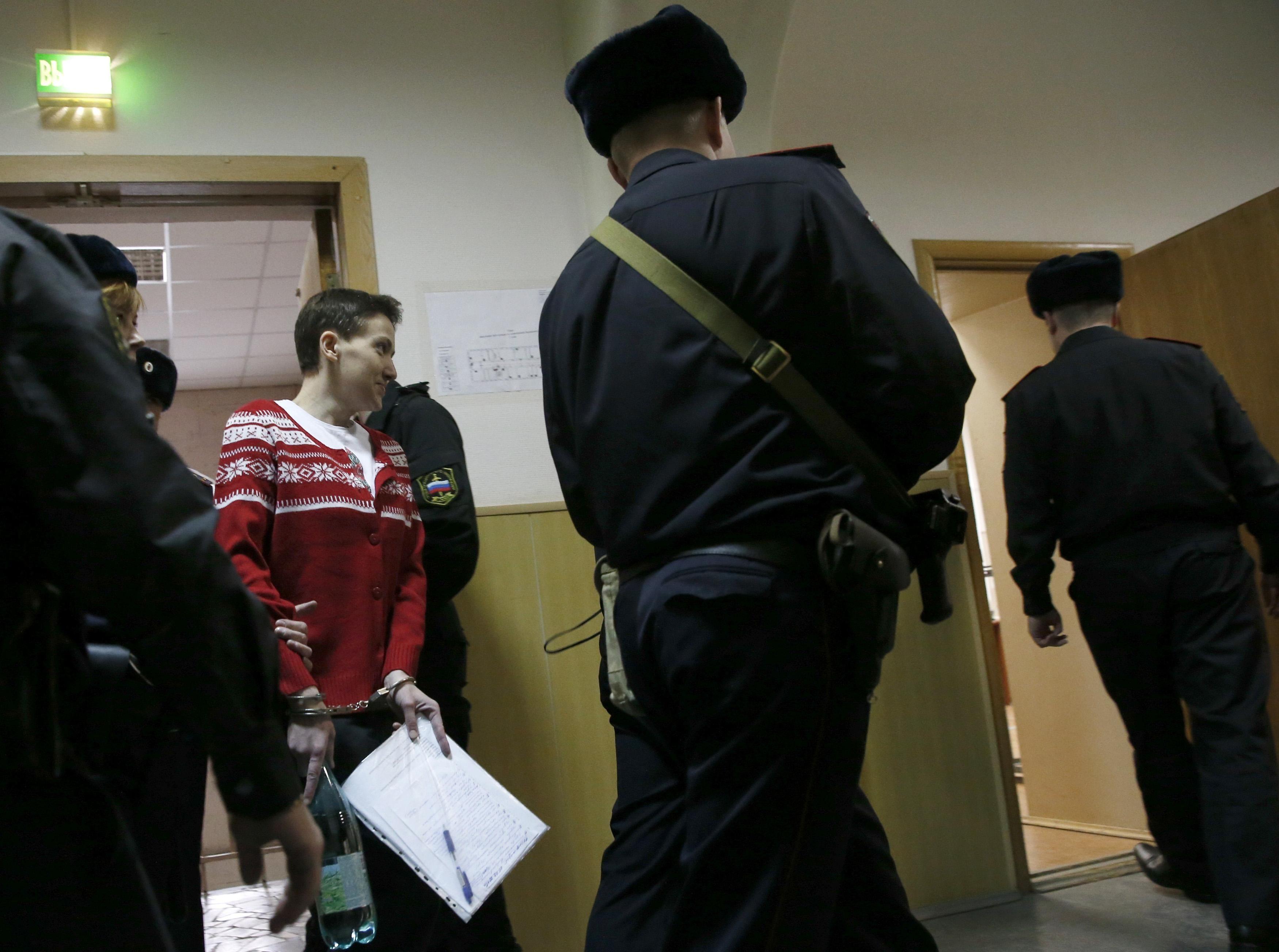 Порошенко официально потребовал у Путина освободить Савченко