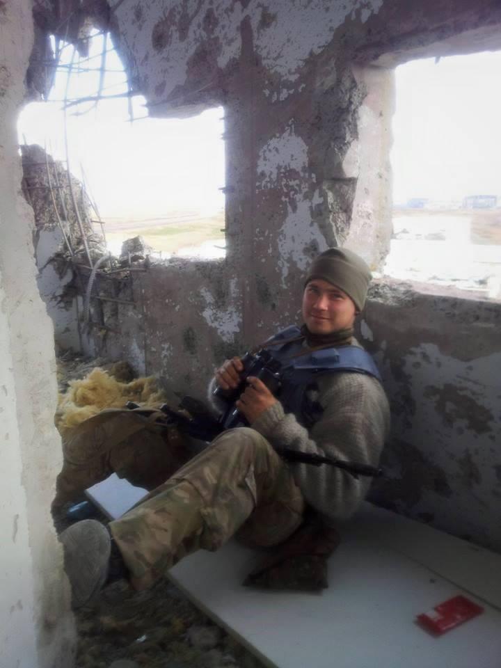 Илья Богданов в донецком аэропорту