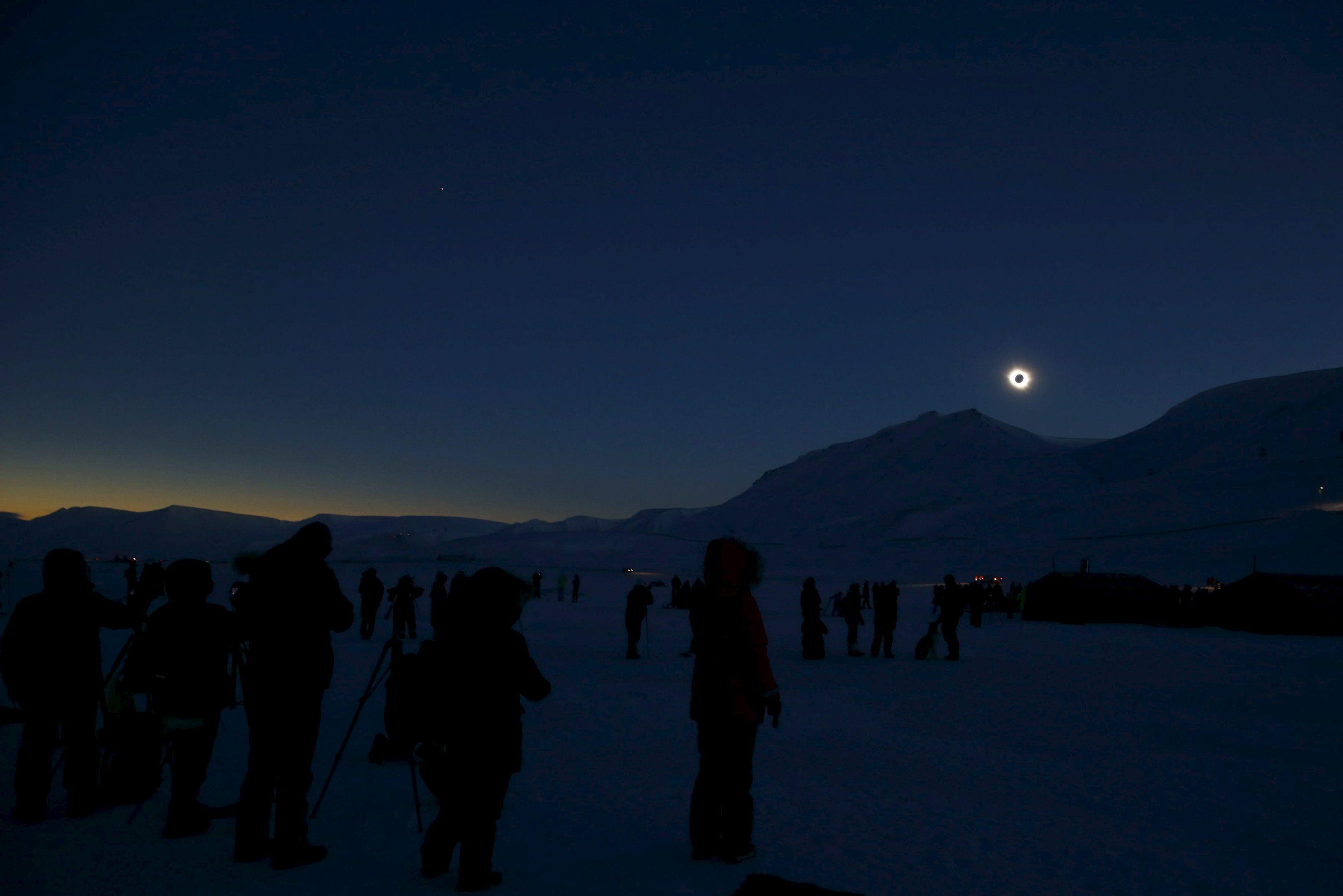 Солнечное затмение над Шпицбергеном