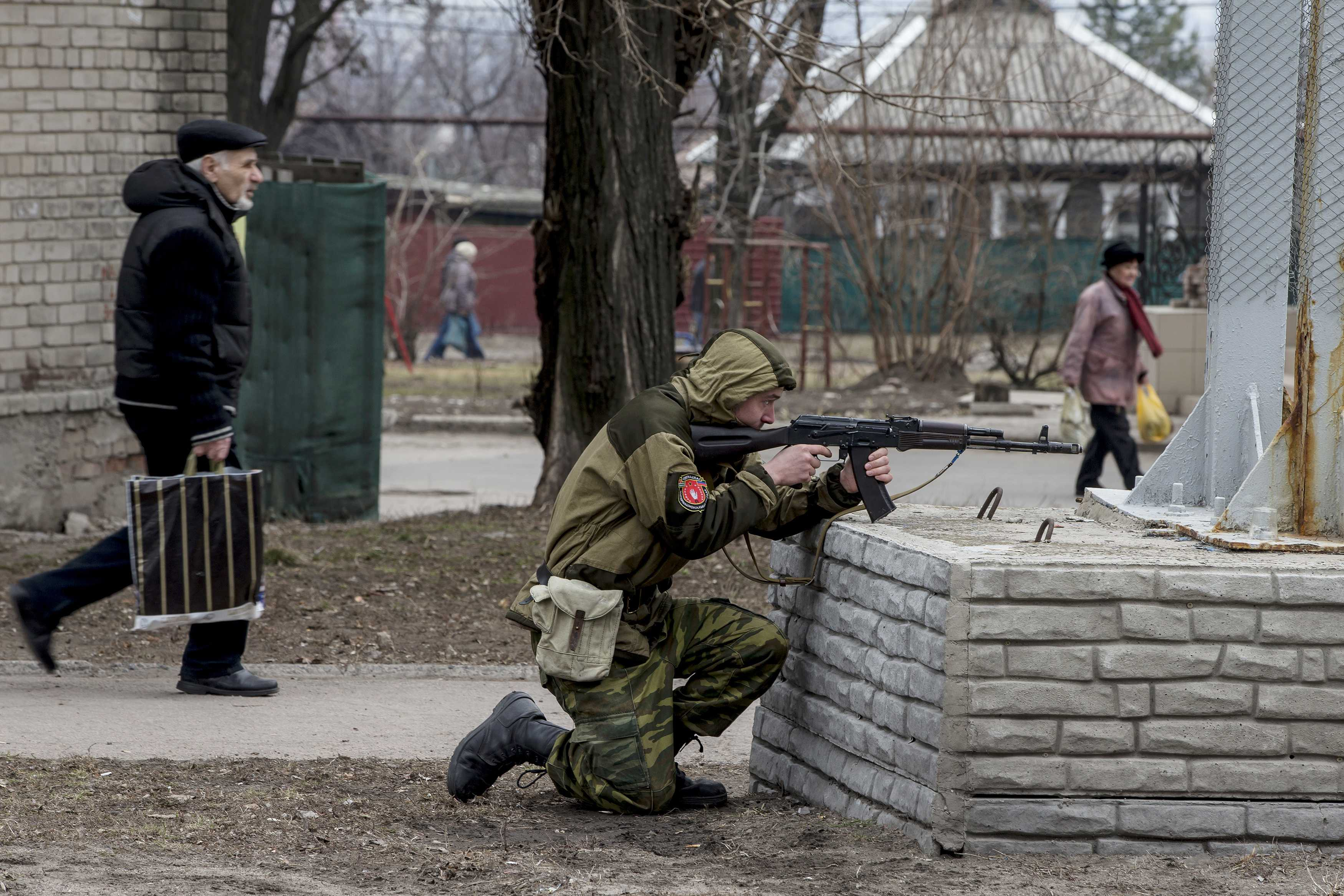 Боевики на Донбассе, иллюстрация