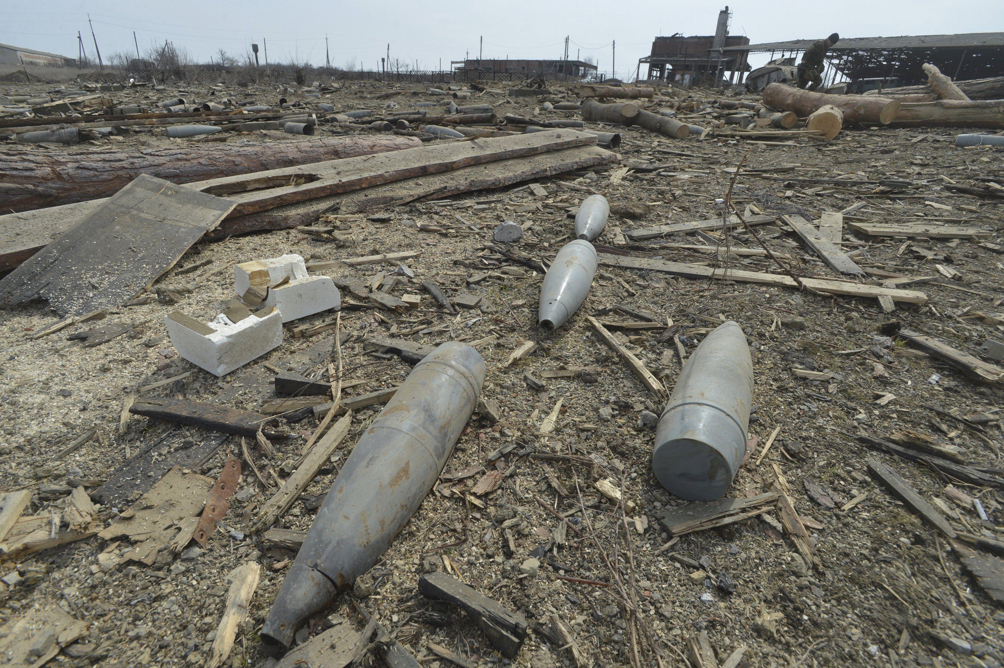 Последствия обстрела на Донбассе