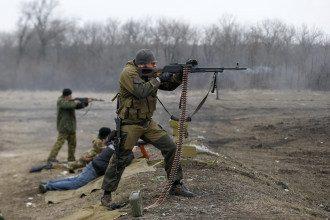 бойовики, автомат, Донецьк