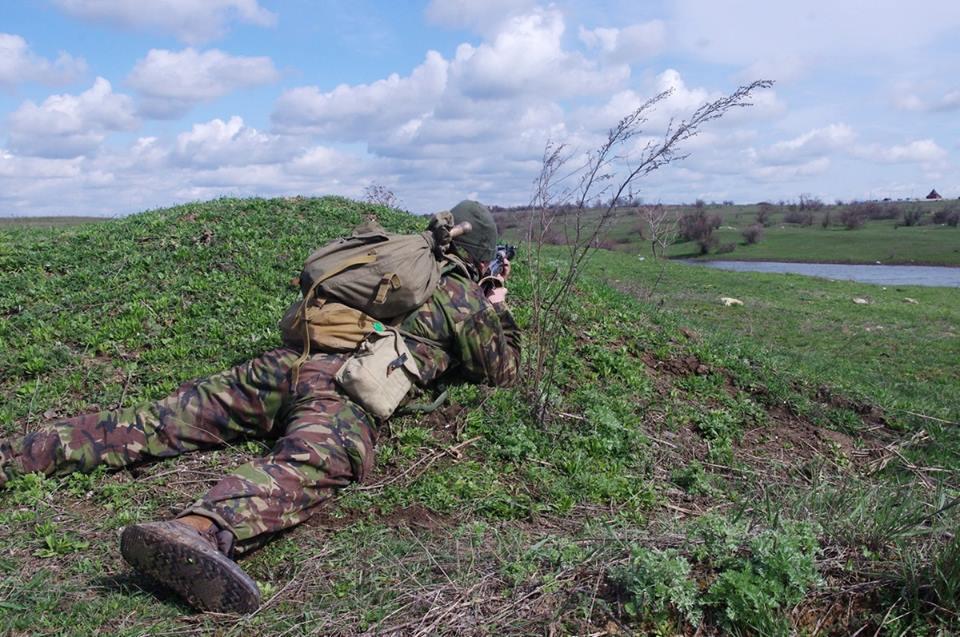 Украинские бойцы удерживают позиции на Донбассе, иллюстрация