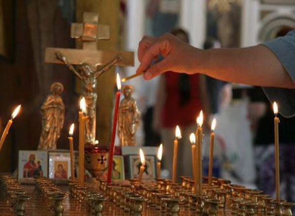 свечи, крест
